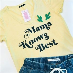 🌻🆕New Mama Knows Best' tee
